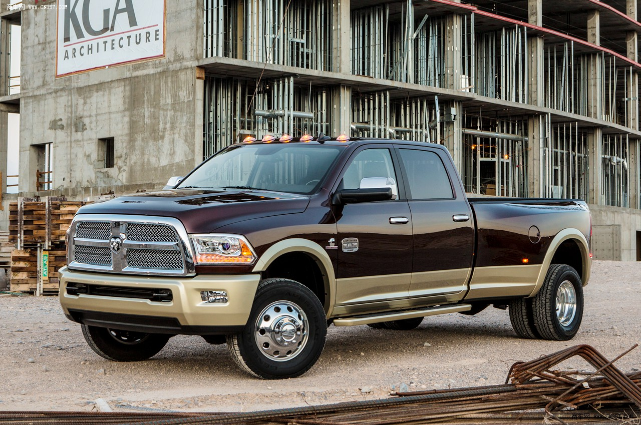 2019 Dodge Ram 3500 photo - 4