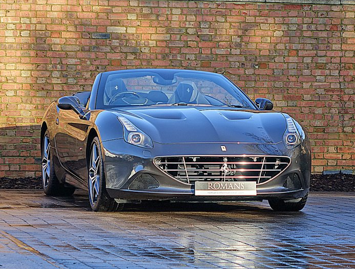 2019 Ferrari California T photo - 3