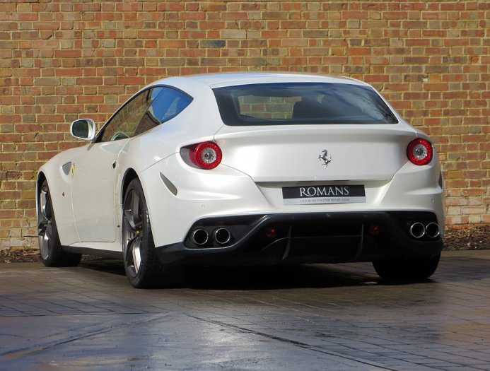 2019 Ferrari FF photo - 2