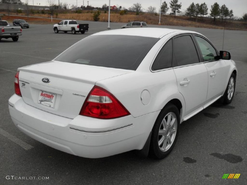 2019 Ford Five Hundred Limited photo - 2