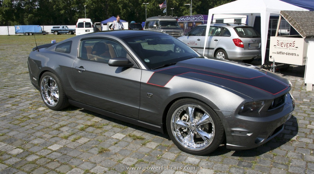 2019 Ford Mustang DUB Edition photo - 3