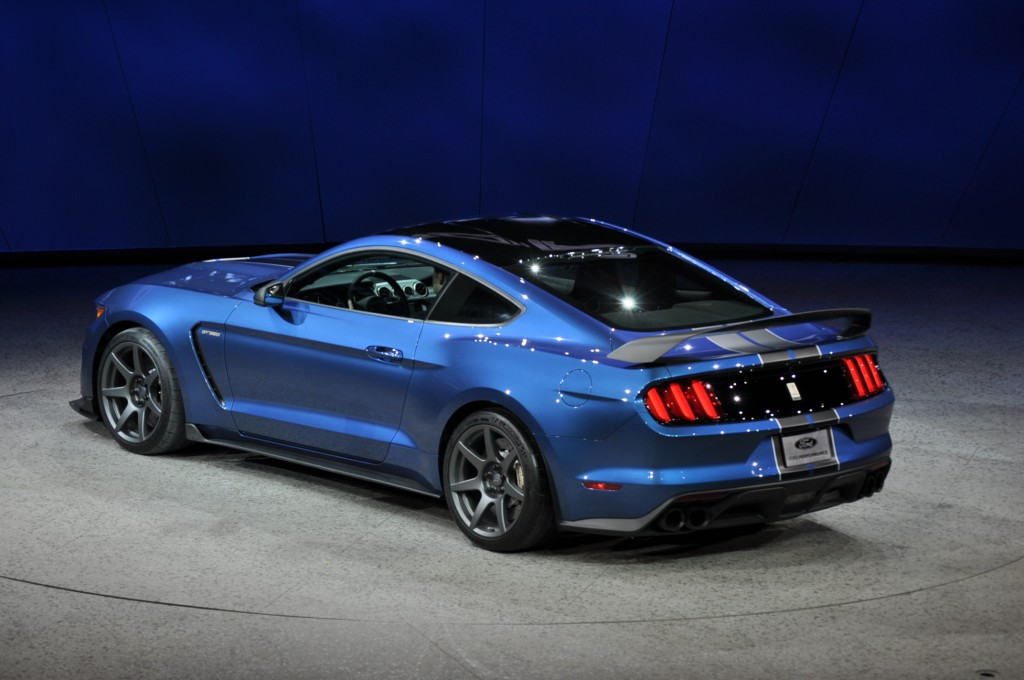 2019 Ford Mustang Shelby GT350R photo - 2