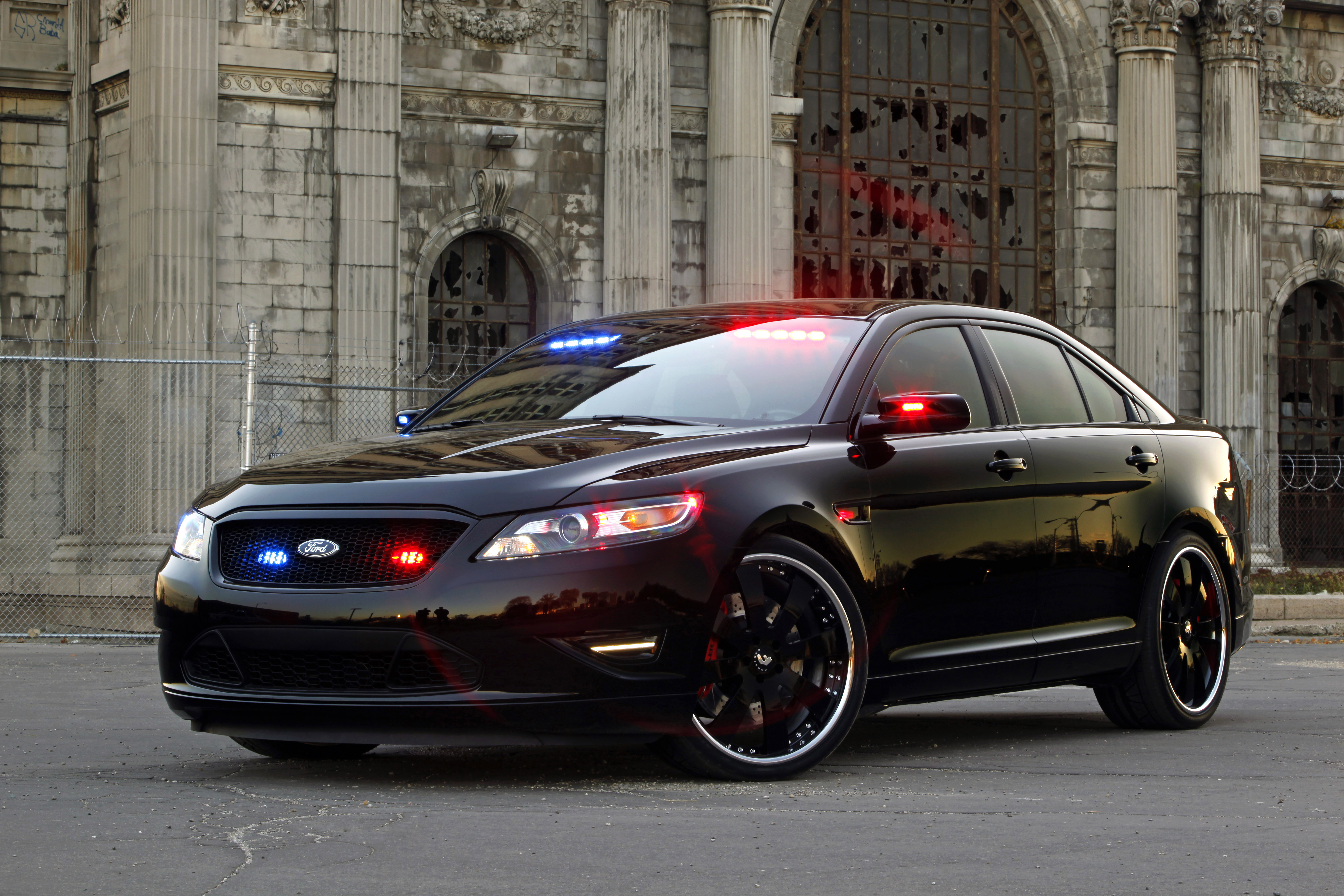 2019 Ford Stealth Police Interceptor Concept photo - 5