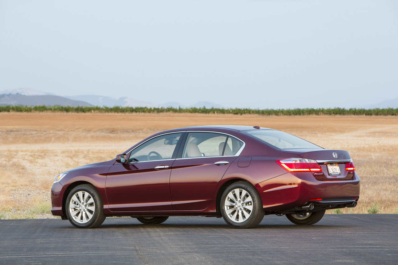 2019 Honda Accord EX L Sedan photo - 2
