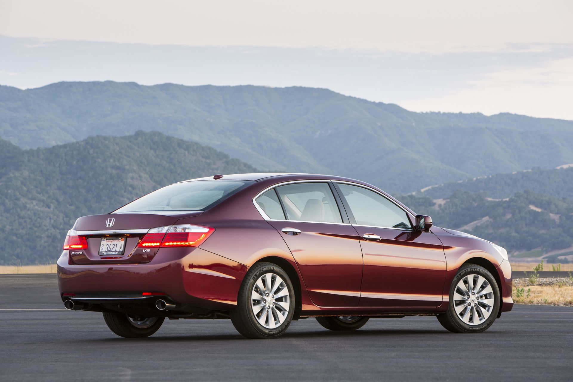 2019 Honda Accord Sedan EX L photo - 6