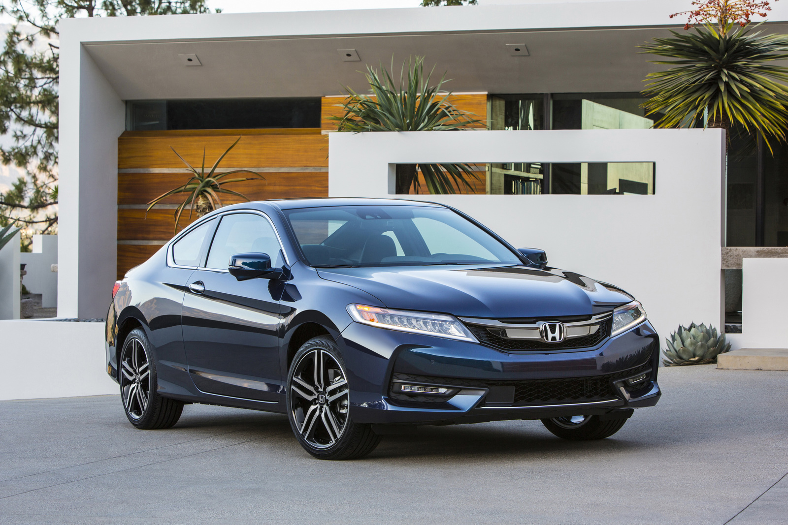 2019 Honda Accord Wagon photo - 6