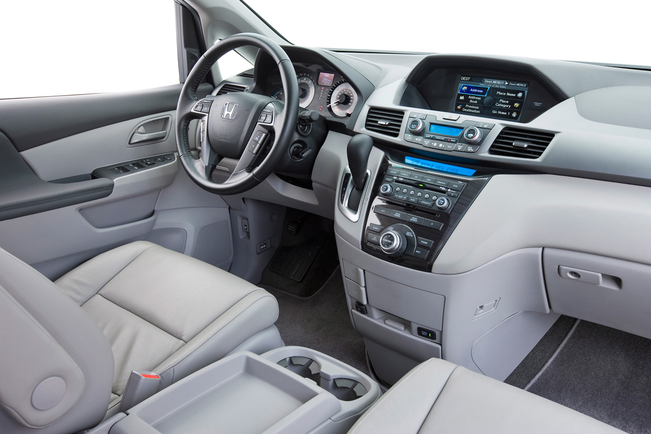 2019 Honda Odyssey Touring photo - 2