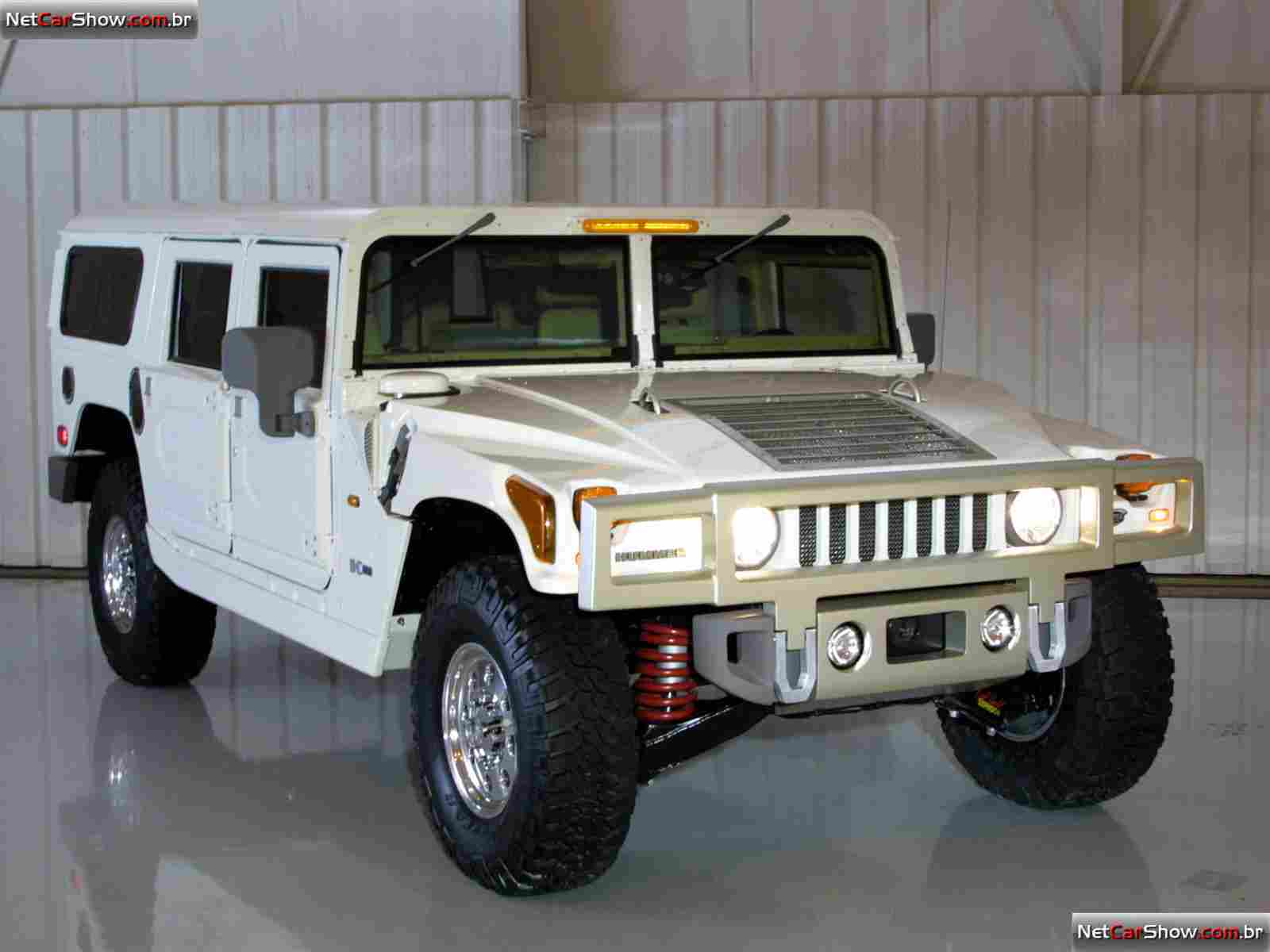 2019 Hummer H2 Safari Concept photo - 2