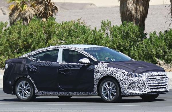 2019 Hyundai Elantra photo - 4