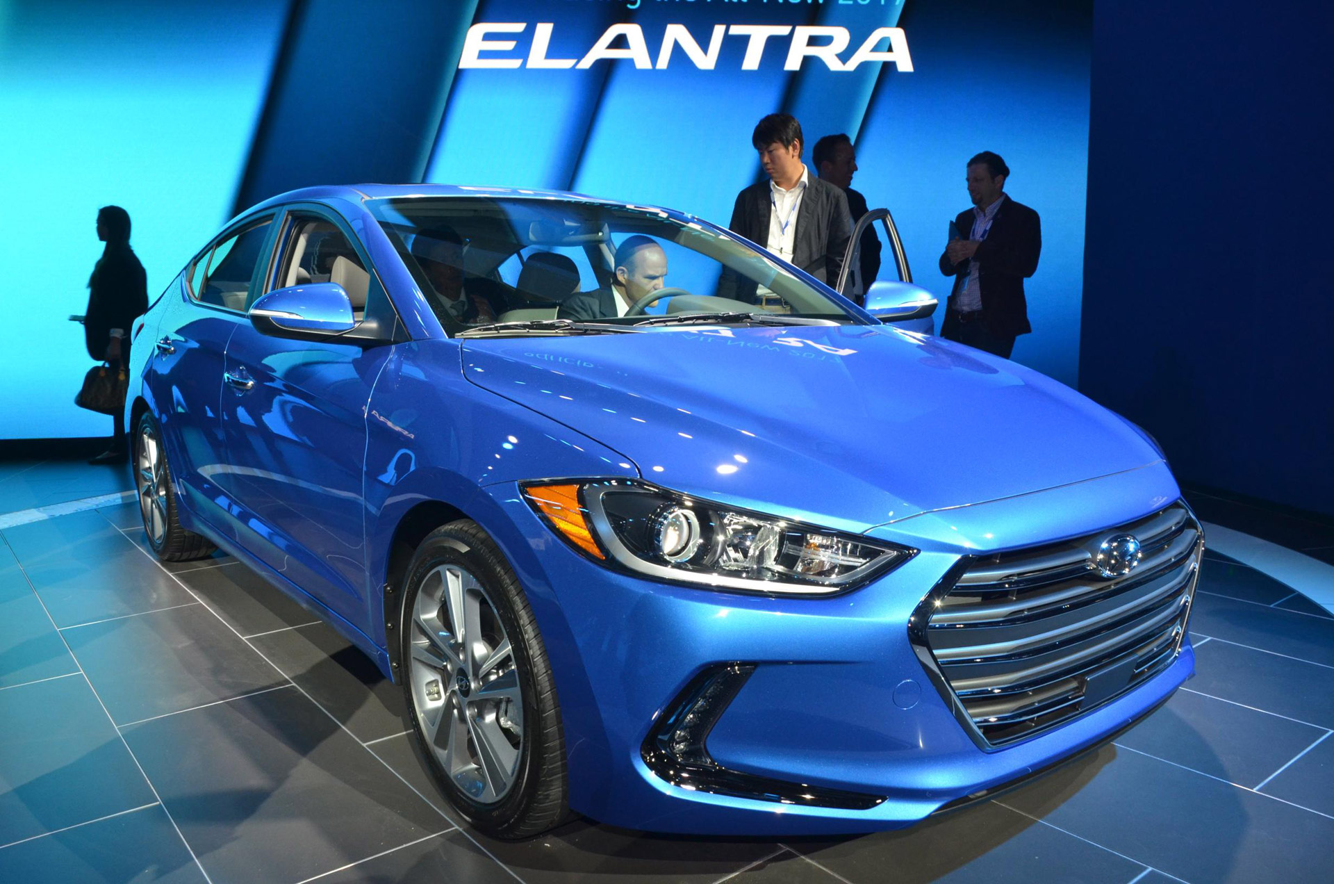 2019 Hyundai Elantra Coupe photo - 2