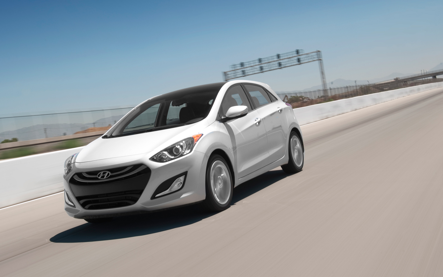 2019 Hyundai Elantra GT photo - 2
