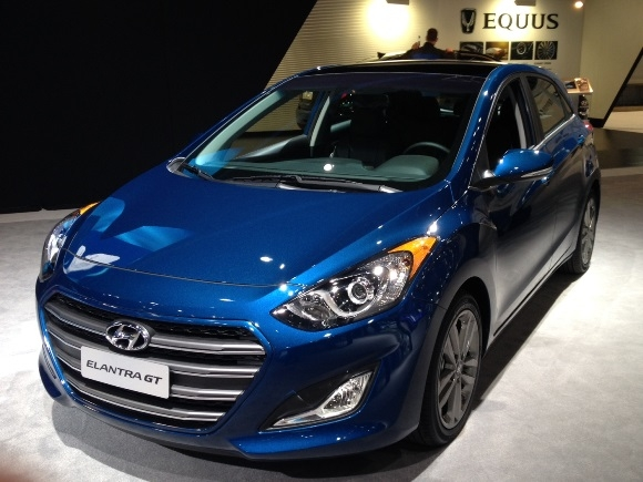 2019 Hyundai Elantra GT photo - 6