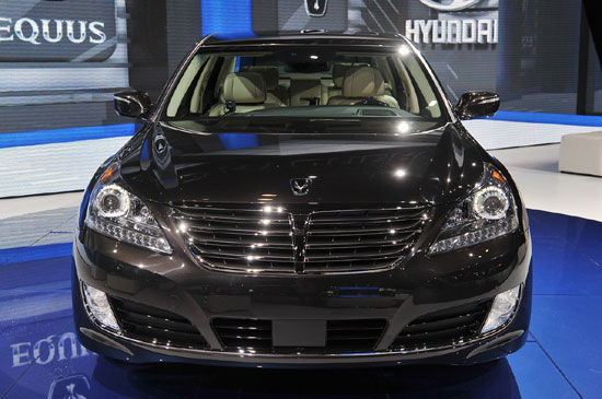 2019 Hyundai Equus photo - 2