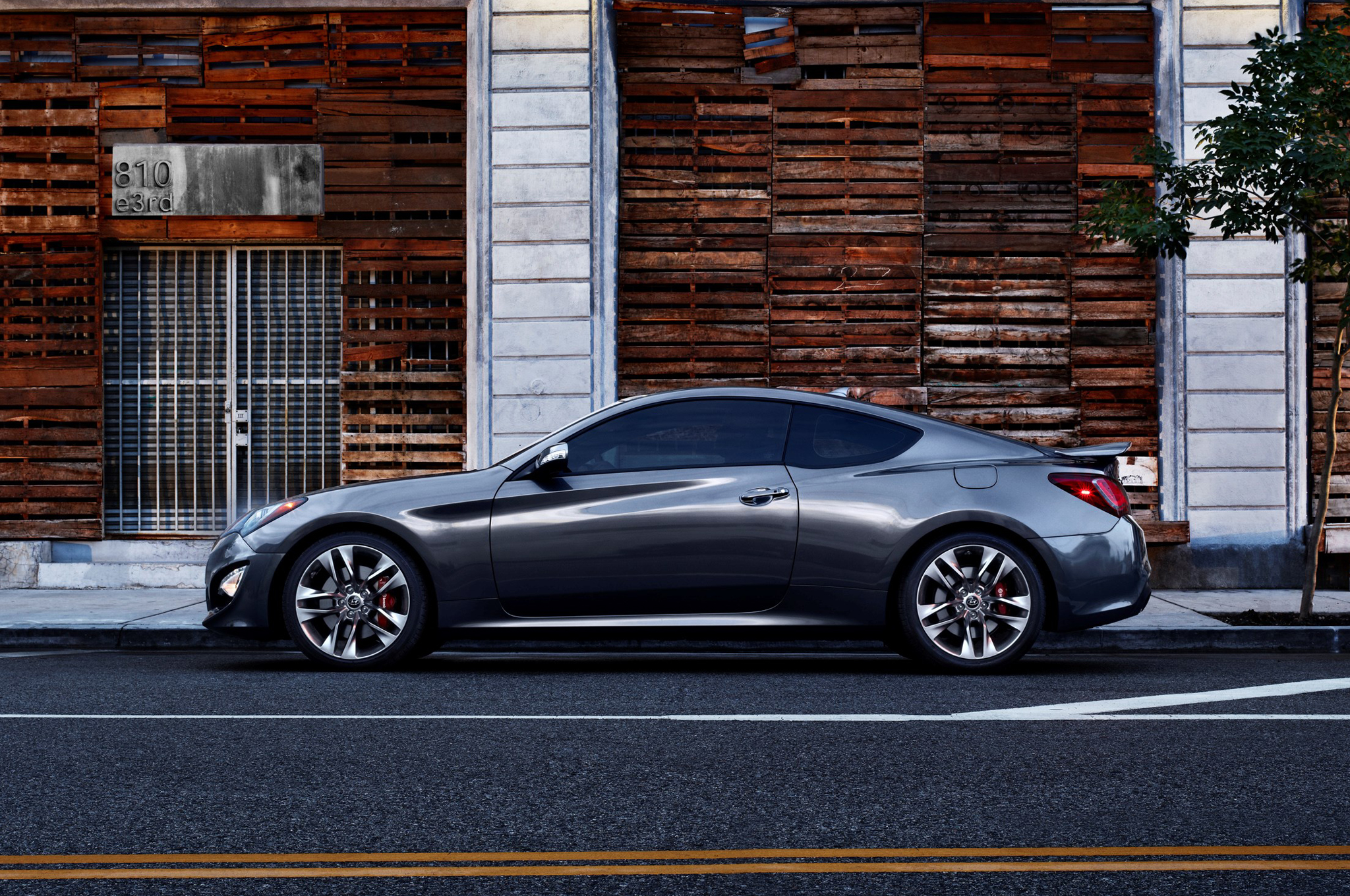 2019 Hyundai Genesis Coupe photo - 6