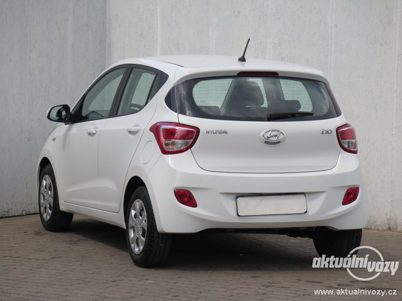2019 Hyundai i10 photo - 1
