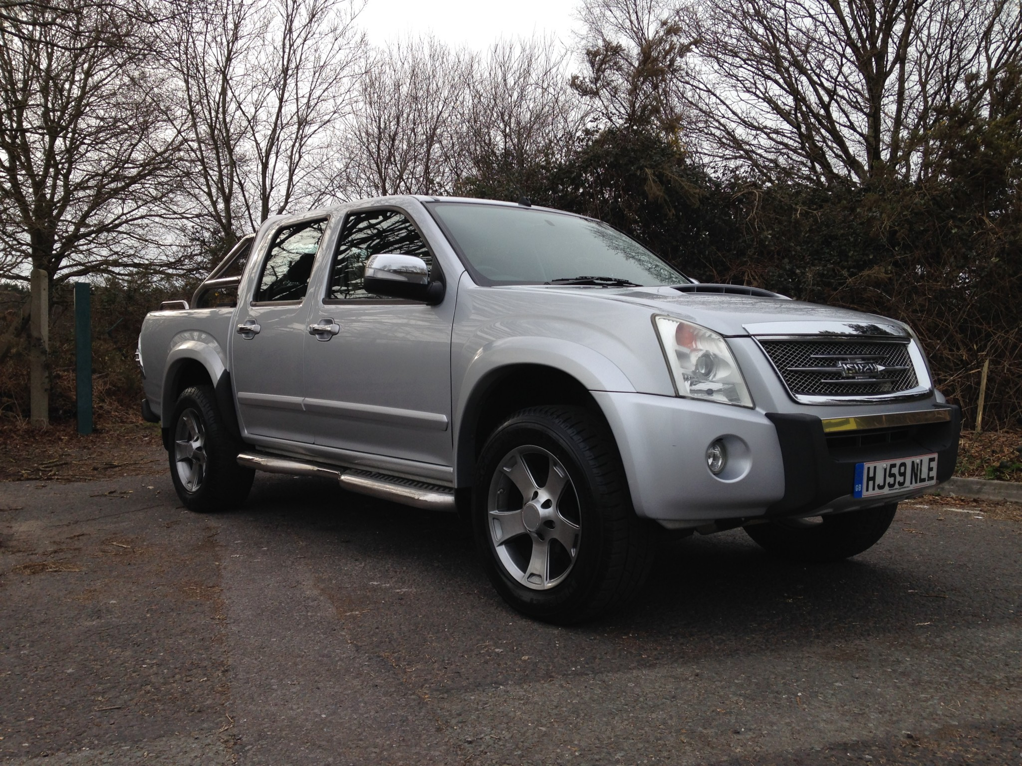 2019 Isuzu Rodeo 3.0 Denver photo - 2