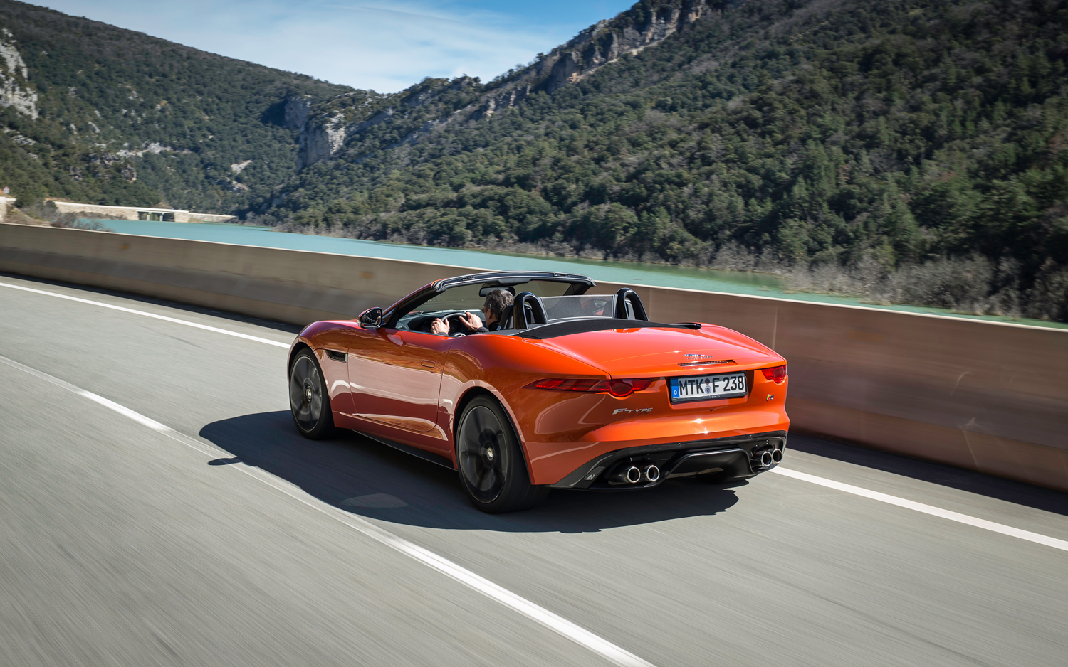 2019 Jaguar F Type Concept photo - 2