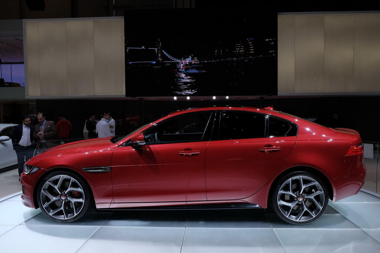 2019 Jaguar XE S photo - 5