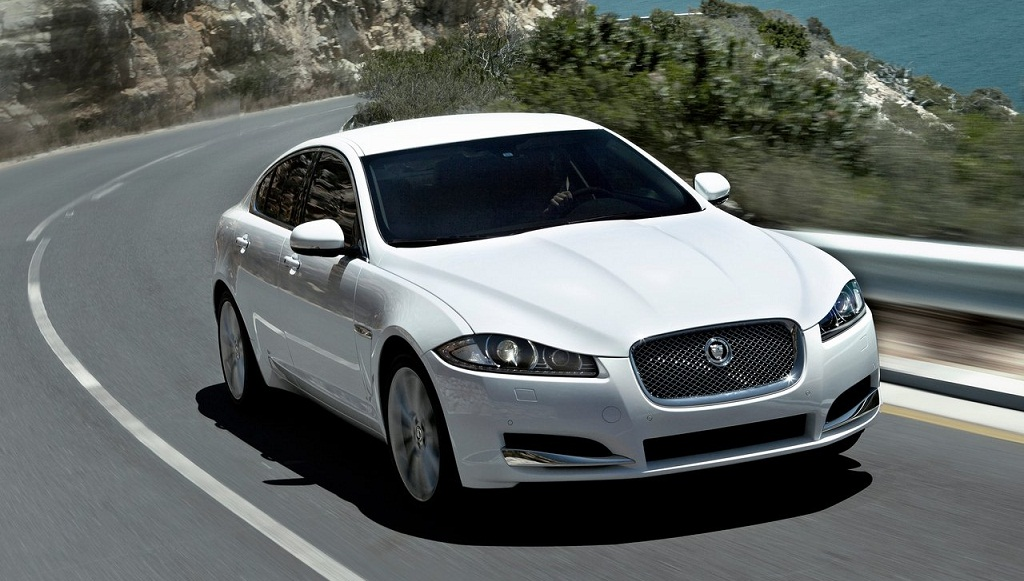 2019 Jaguar XF photo - 6