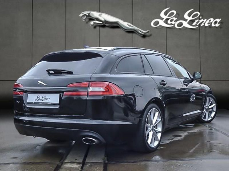 2019 Jaguar XF Black Pack photo - 4