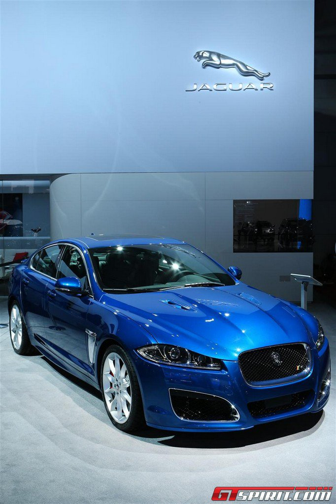 2019 Jaguar XFR photo - 1