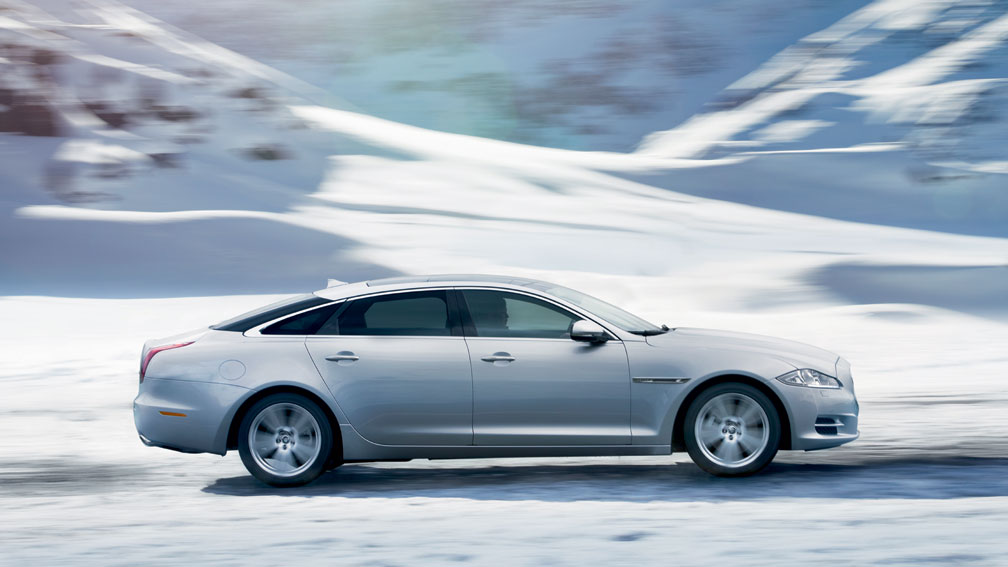 2019 Jaguar XJ S photo - 1