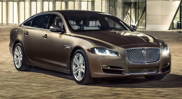 2019 Jaguar XJ Super V8 photo - 6