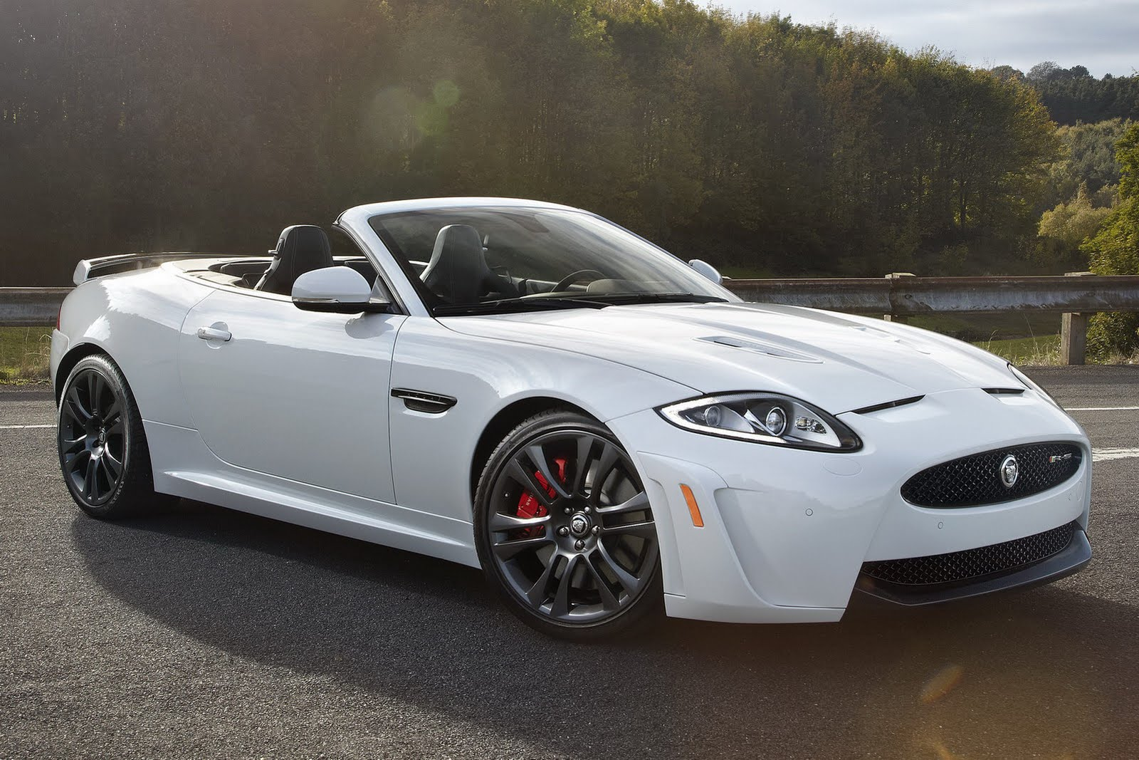 2019 Jaguar XKR S Convertible photo - 6