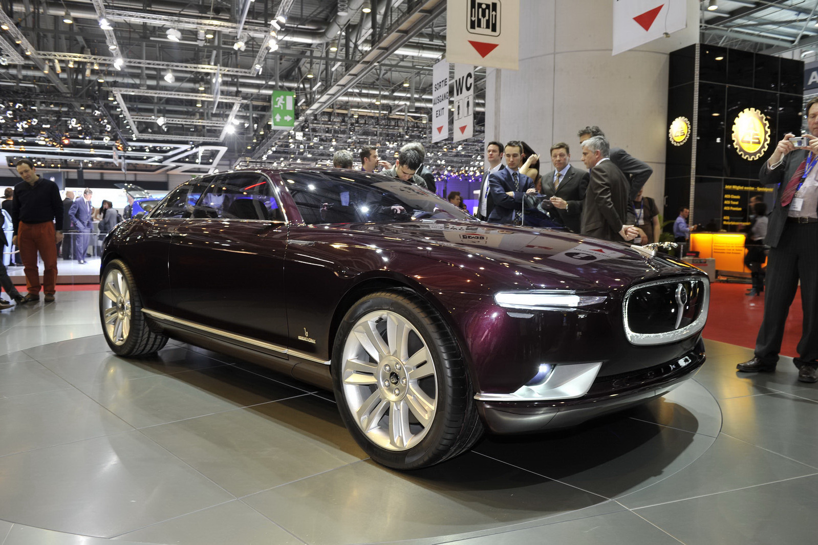 2019 Jaguar XType 2.5 photo - 3