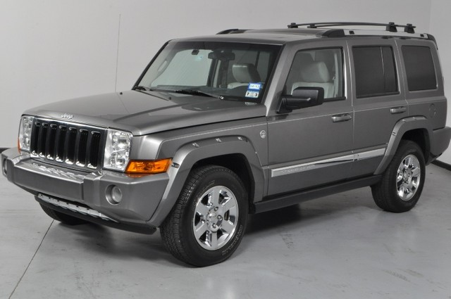 2019 Jeep Commander 4x4 Limited 5.7 HEMI photo - 3