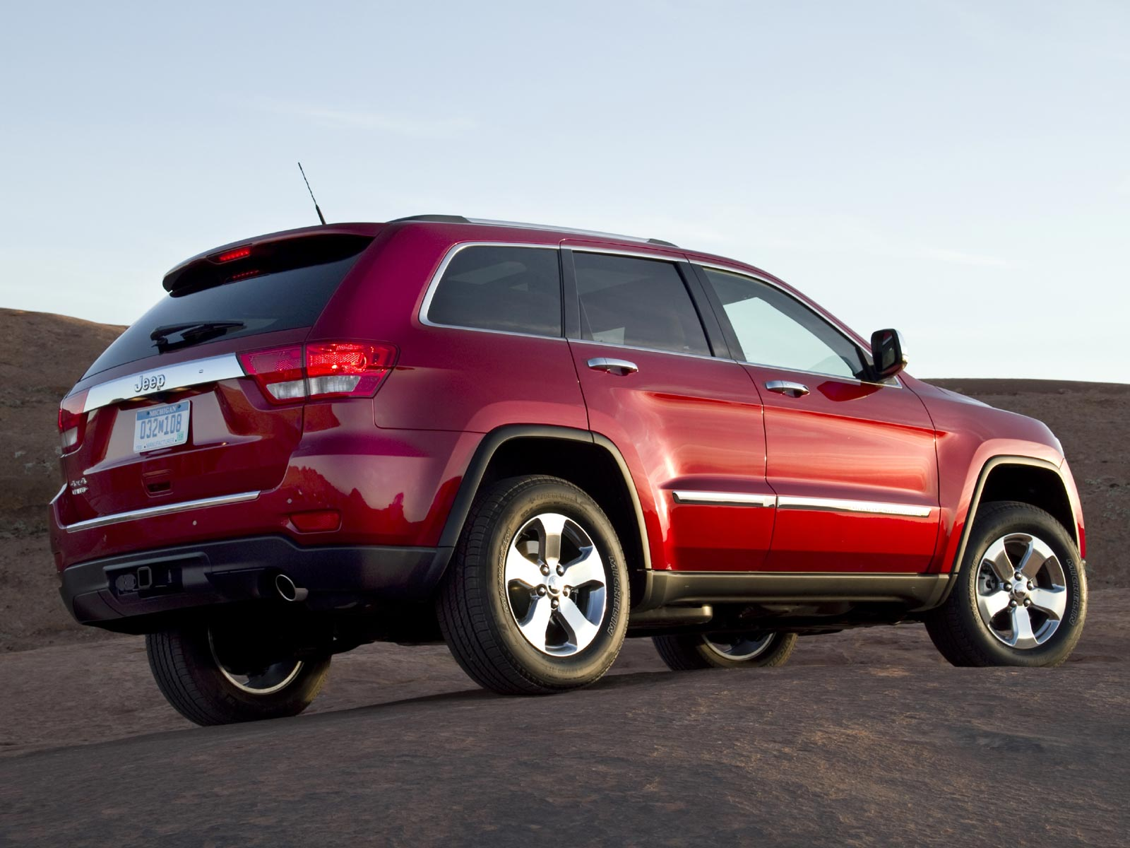 2019 Jeep Grand Cherokee photo - 5