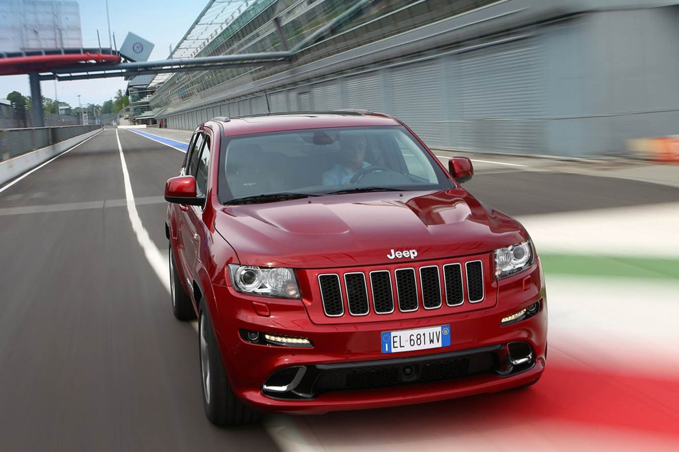2019 Jeep Grand Cherokee SRT8 photo - 4