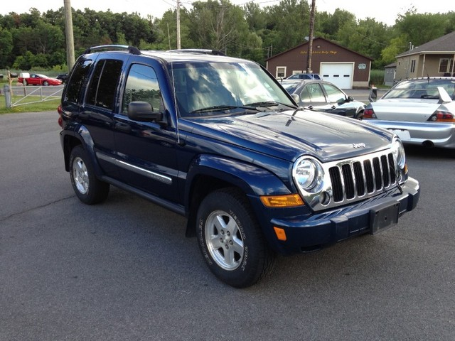 2019 Jeep Liberty CRD Limited photo - 6