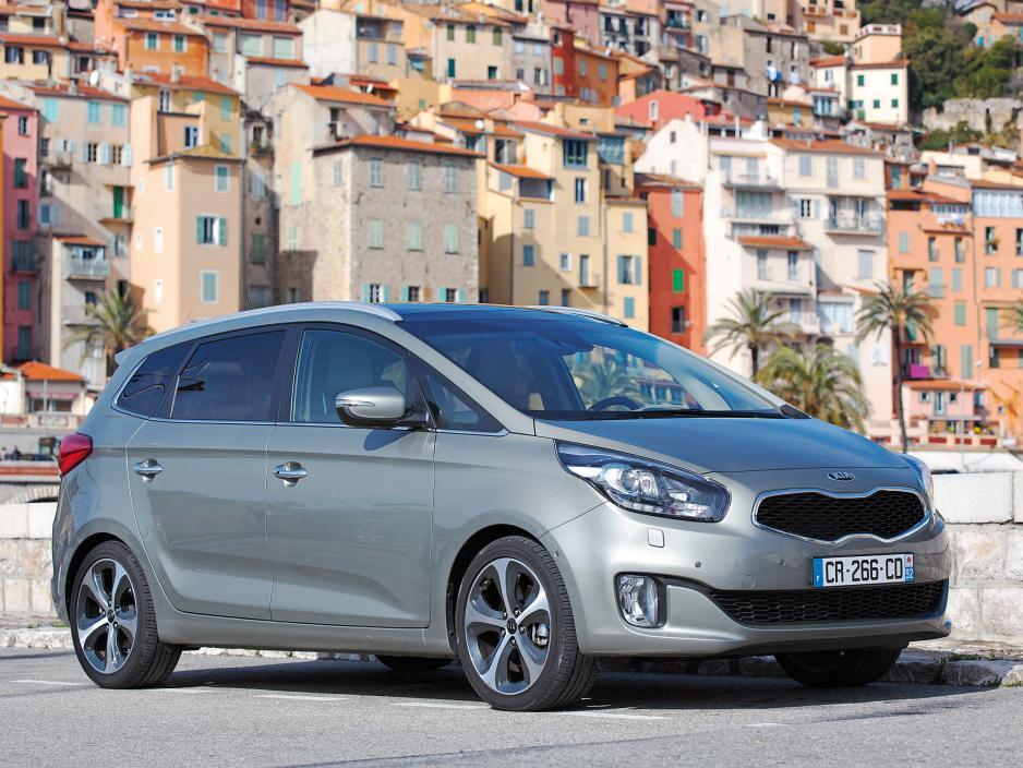 2019 Kia Carens photo - 2