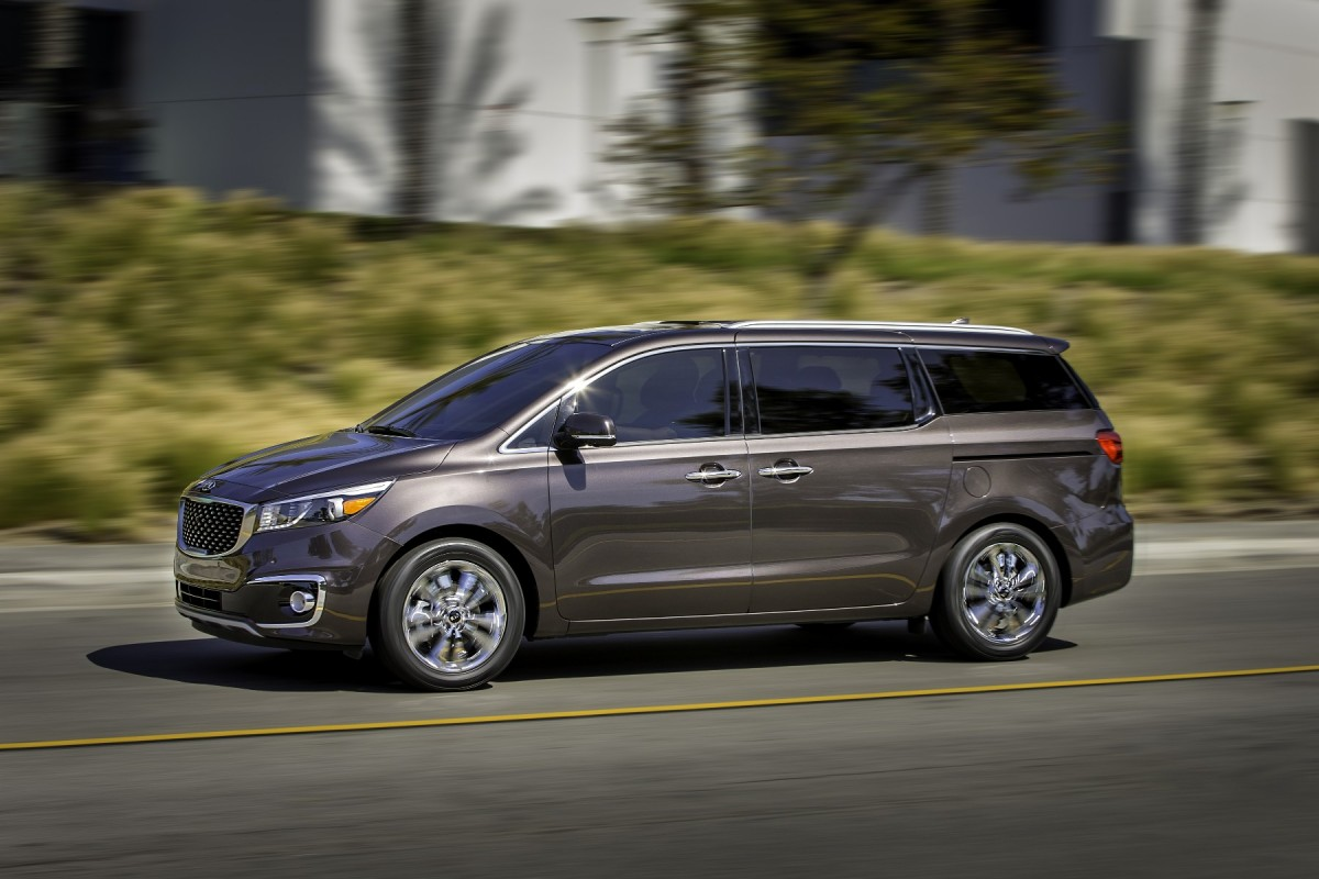 2019 Kia Grand VQ R photo - 4