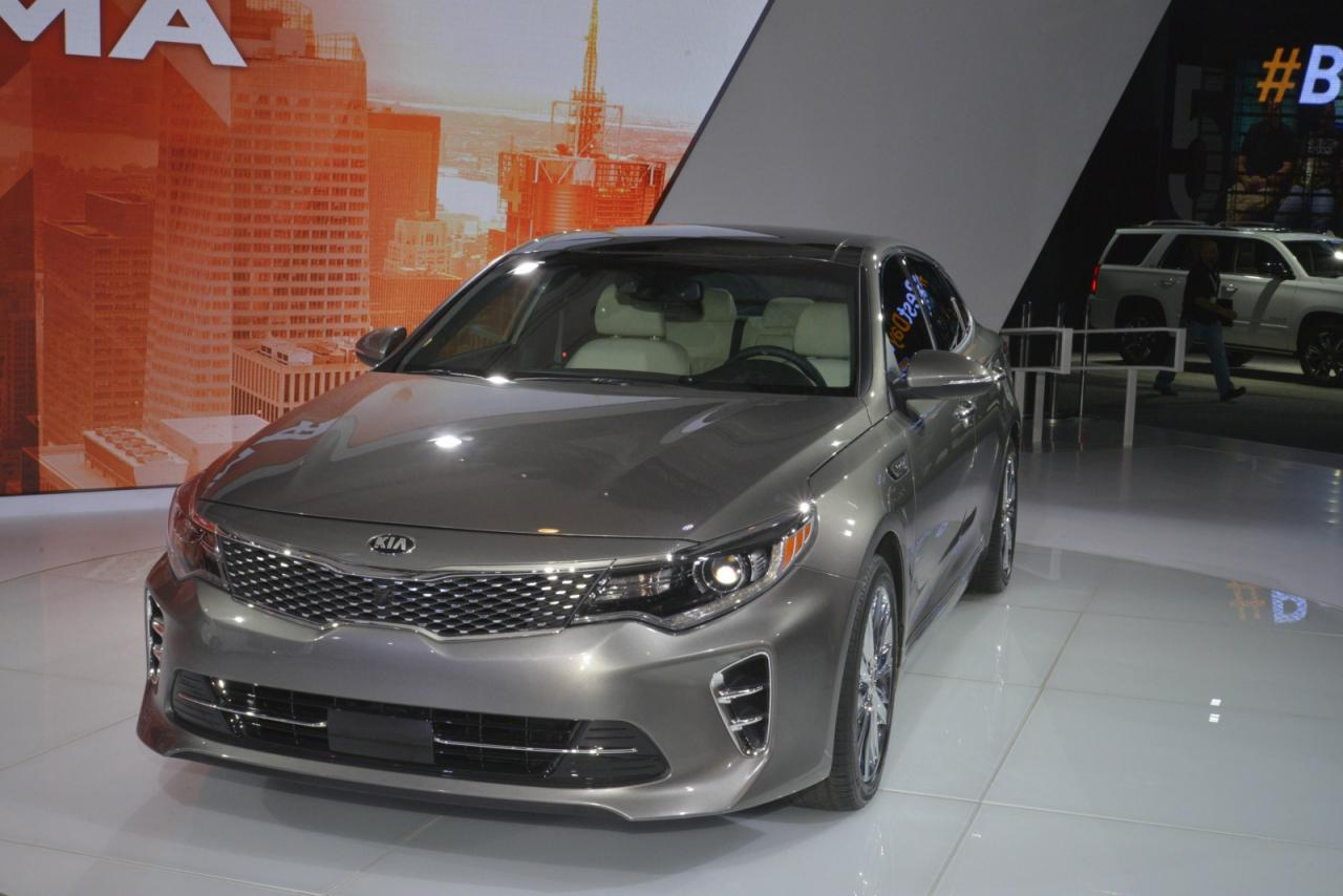 2019 Kia Optima photo - 1