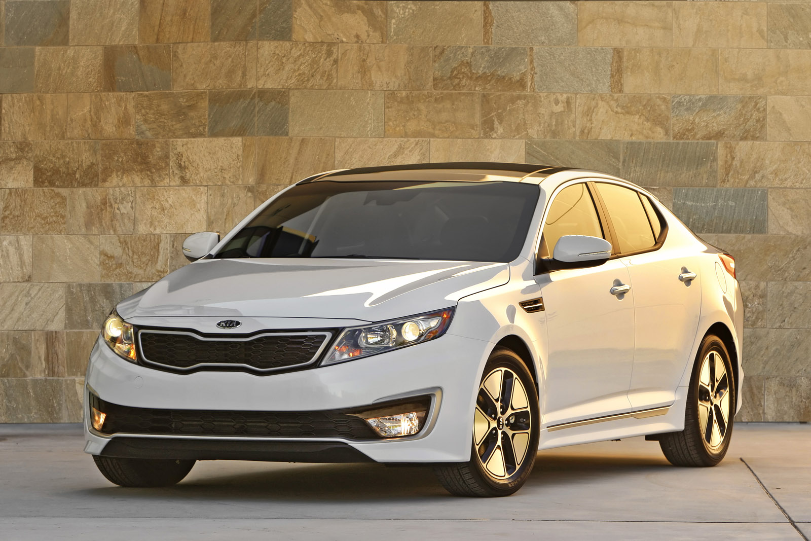 2019 Kia Optima photo - 4
