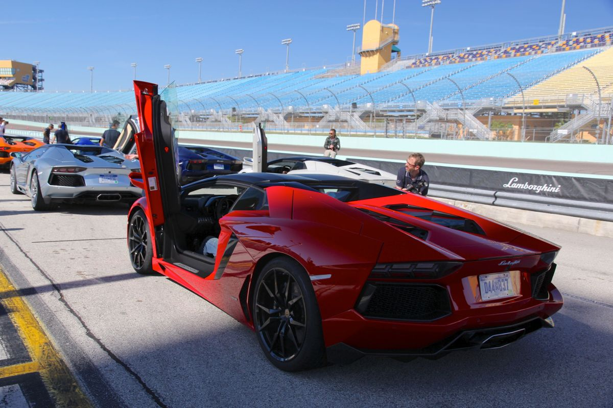 2019 Lamborghini Aventador LP700 4 photo - 1