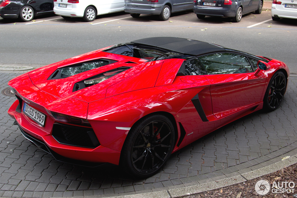 2019 Lamborghini Aventador LP700 4 Roadster photo - 1