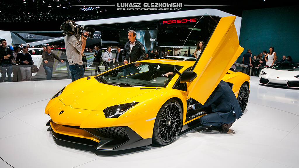 2019 Lamborghini Aventador LP750 4 SV photo - 3