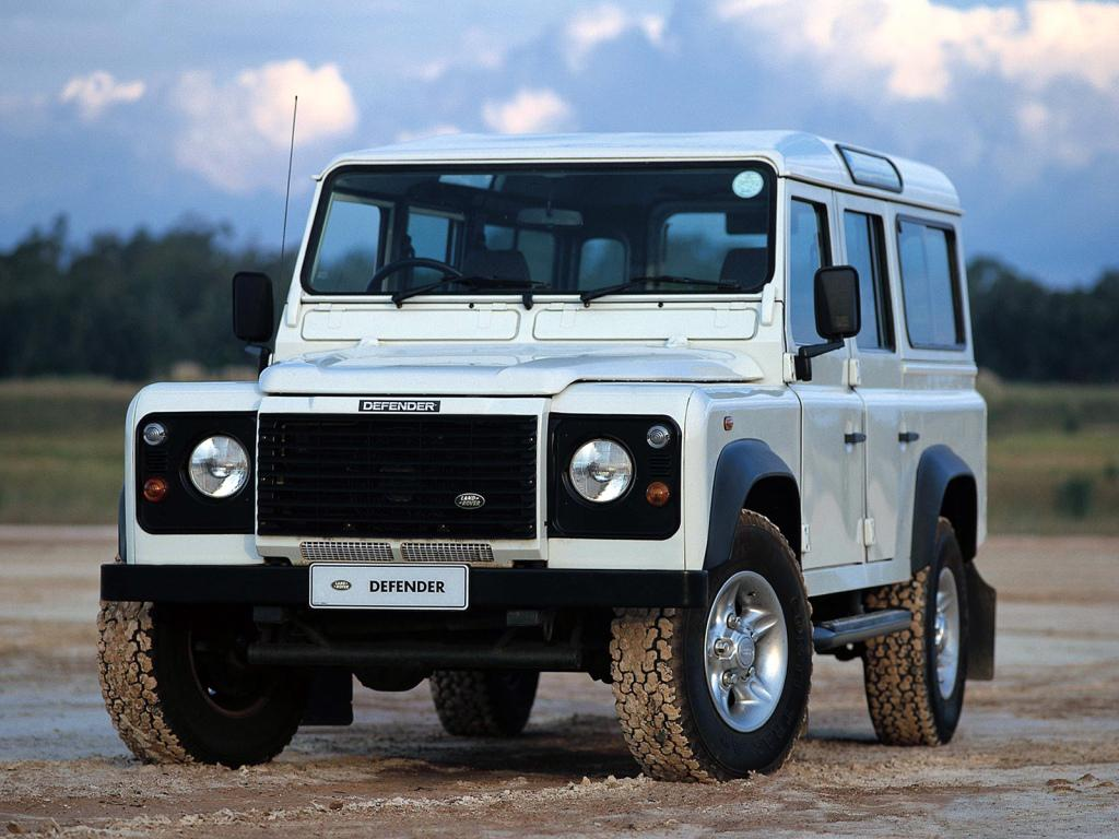 2019 Land Rover Defender photo - 1