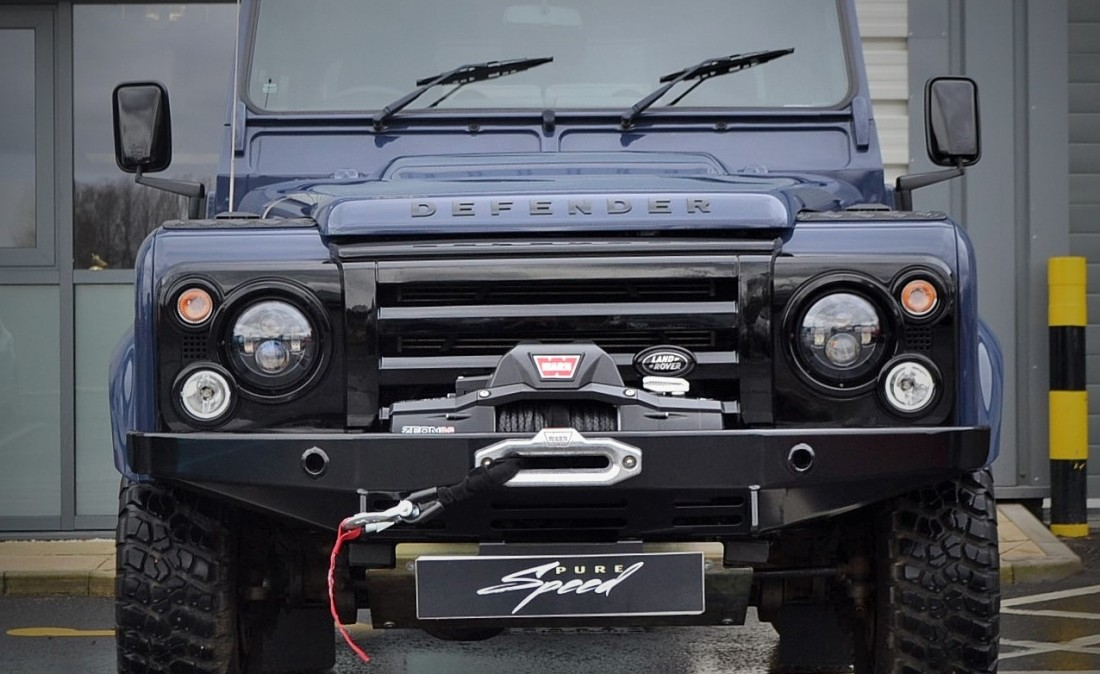 2019 Land Rover Defender X Tech photo - 2