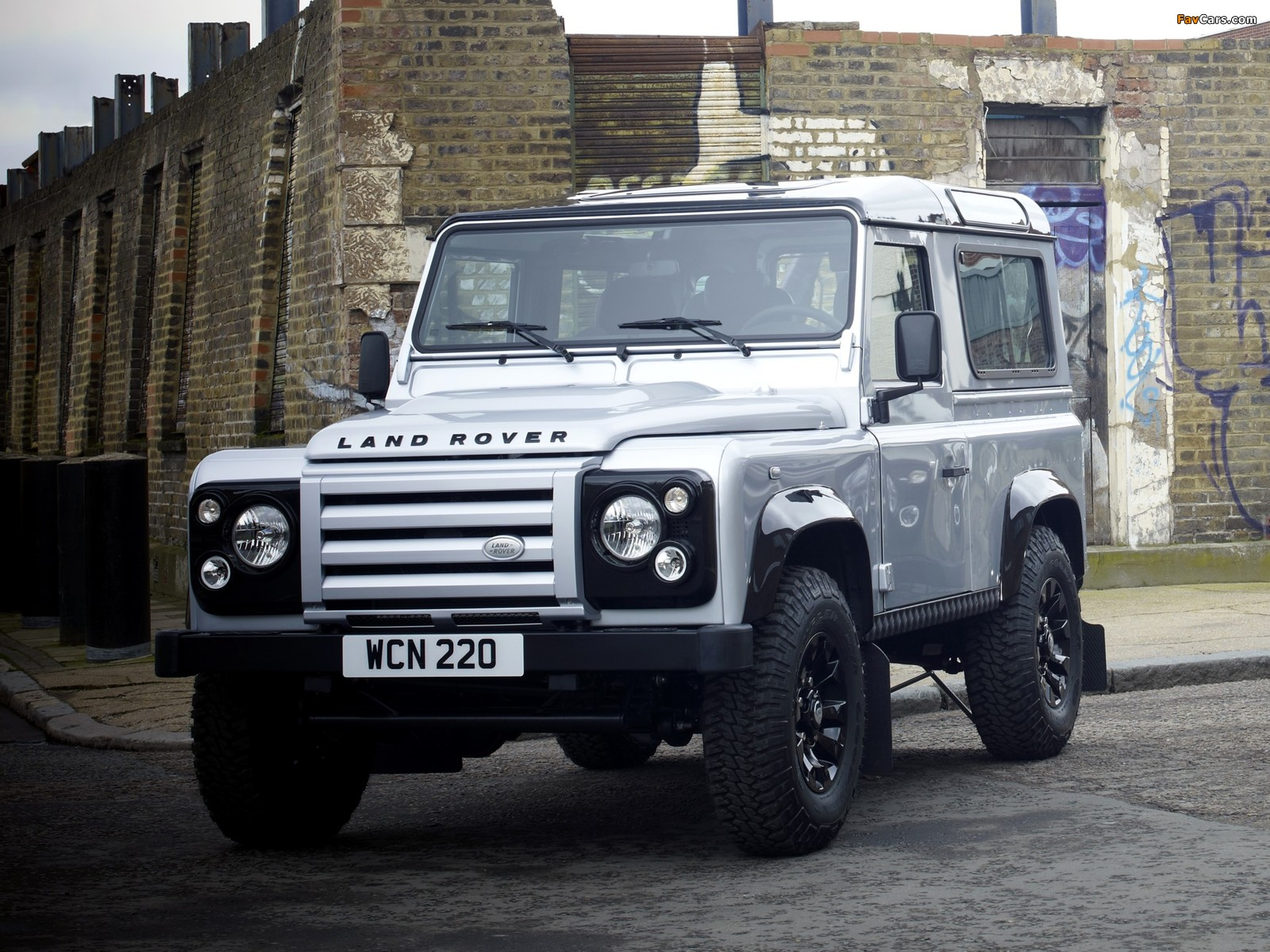 2019 Land Rover Defender X Tech photo - 5