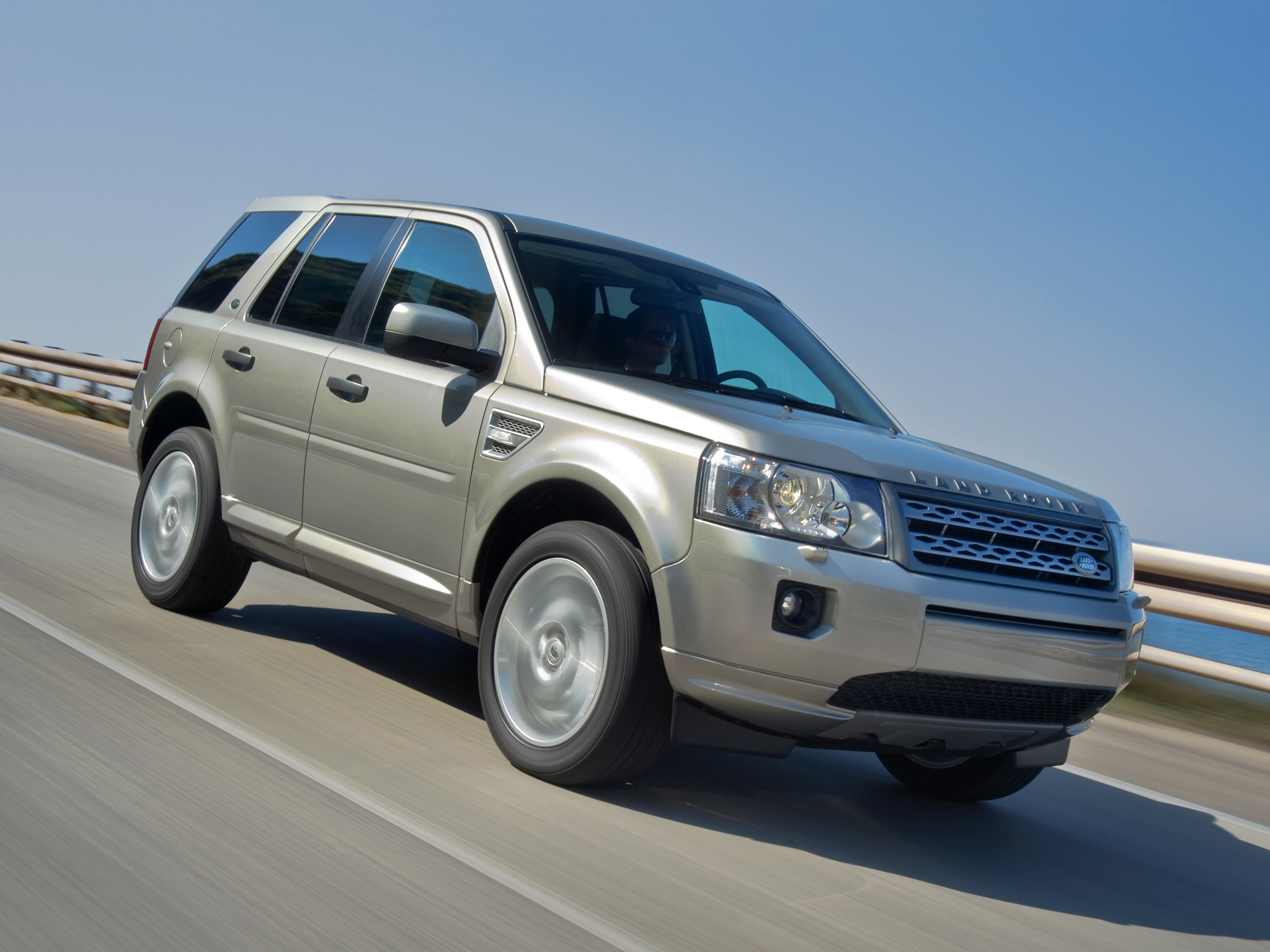 2019 Land Rover Freelander 2 photo - 1
