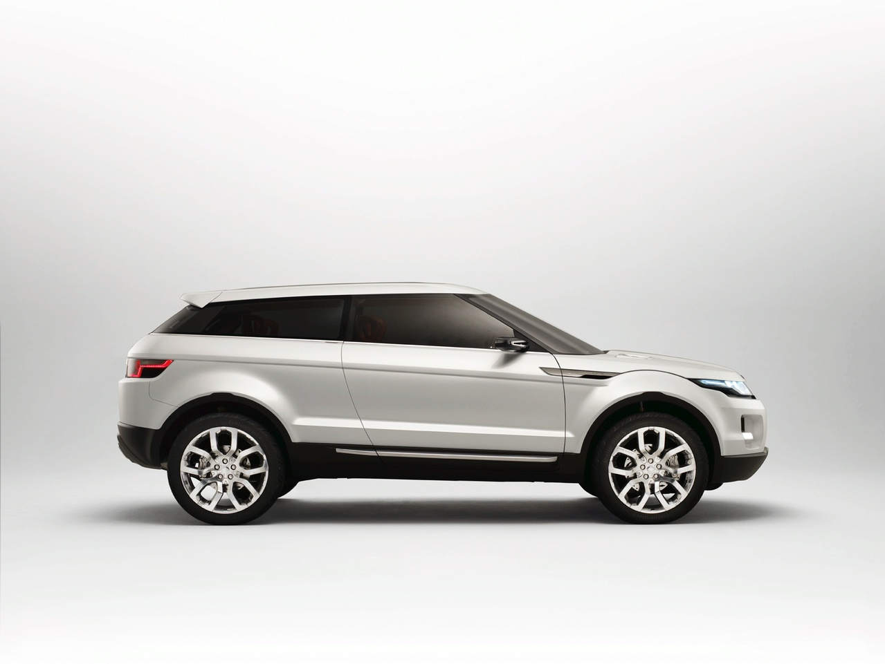 2019 Land Rover Land e Concept photo - 2