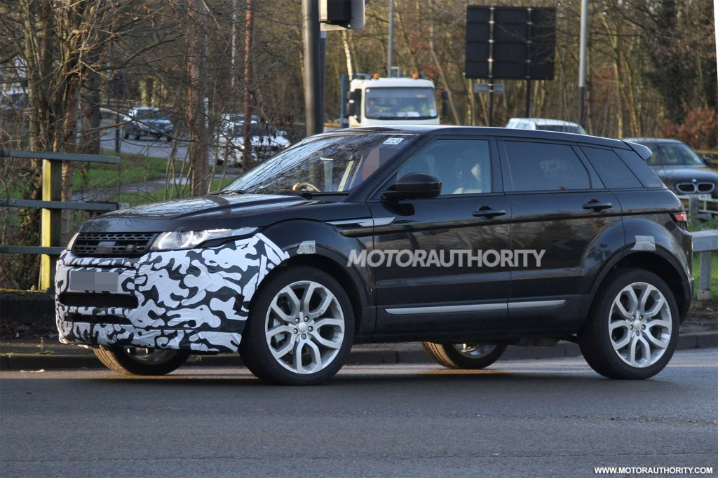2019 Land Rover Range Rover Evoque photo - 2