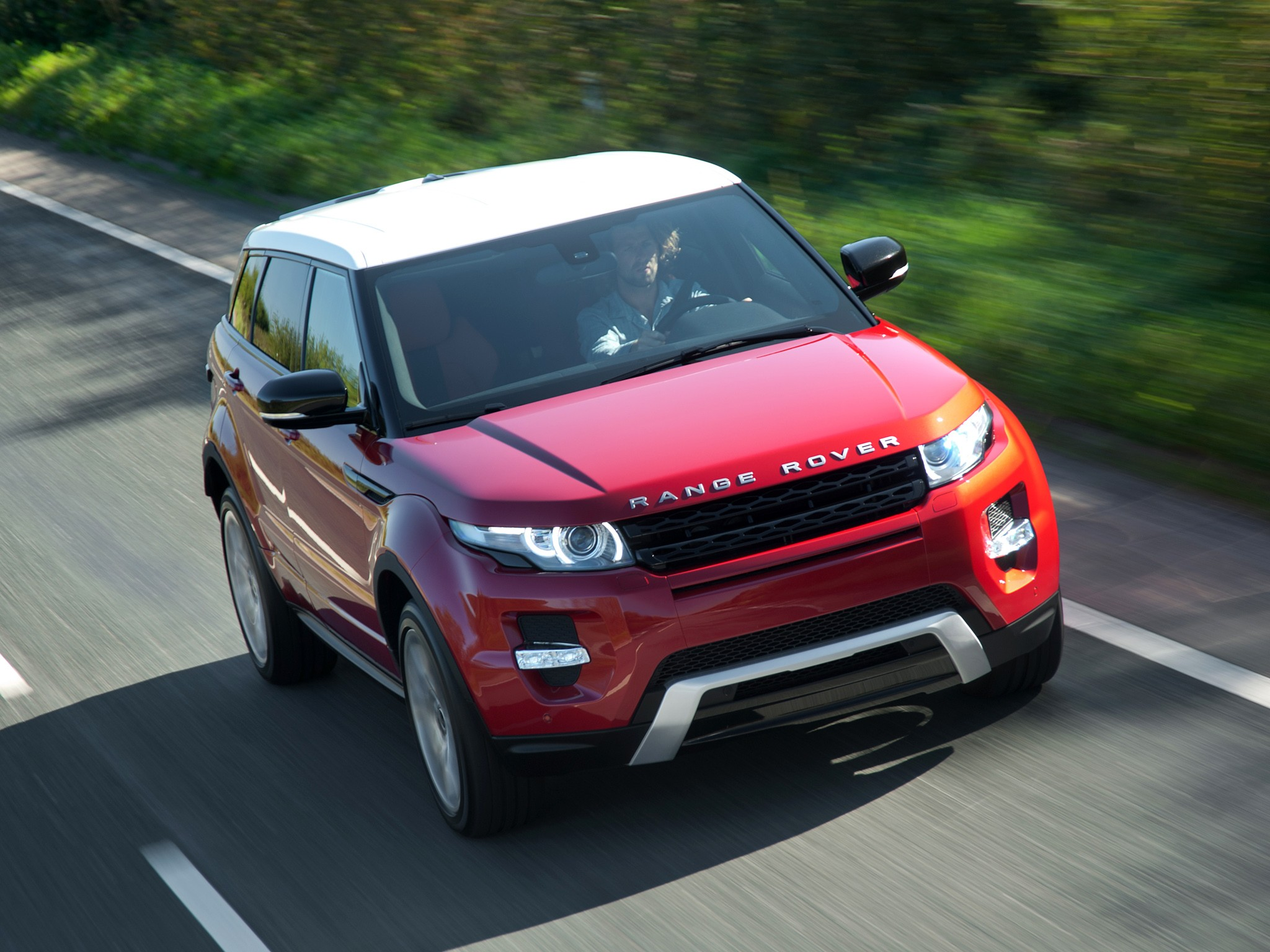 2019 Land Rover Range Rover Evoque 5 door photo - 5