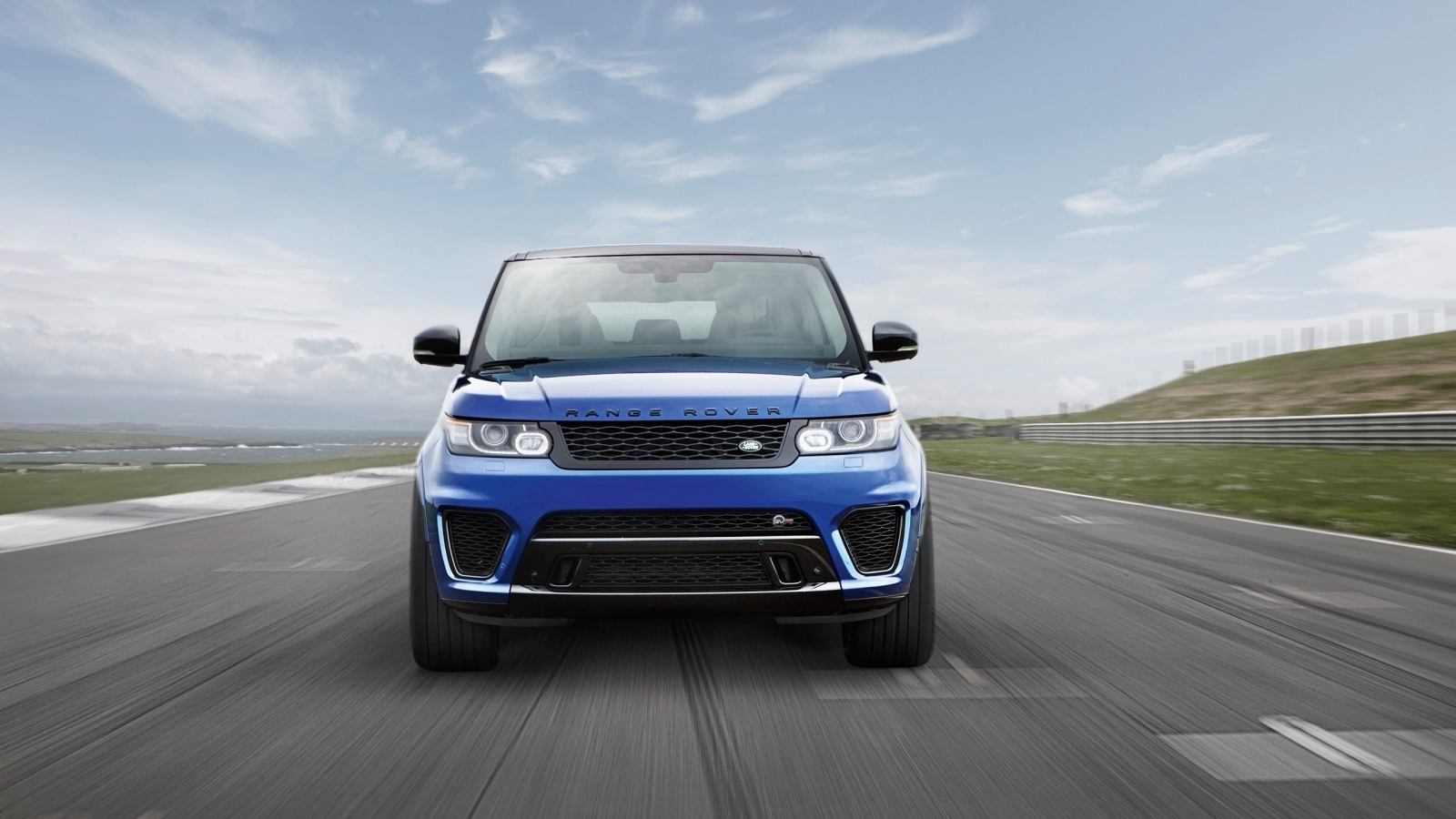 2019 Land Rover Range Rover Sport SVR photo - 5