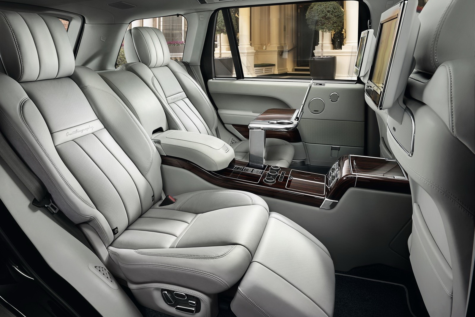 2019 Land Rover Range Rover SV Autobiography new photo - 2