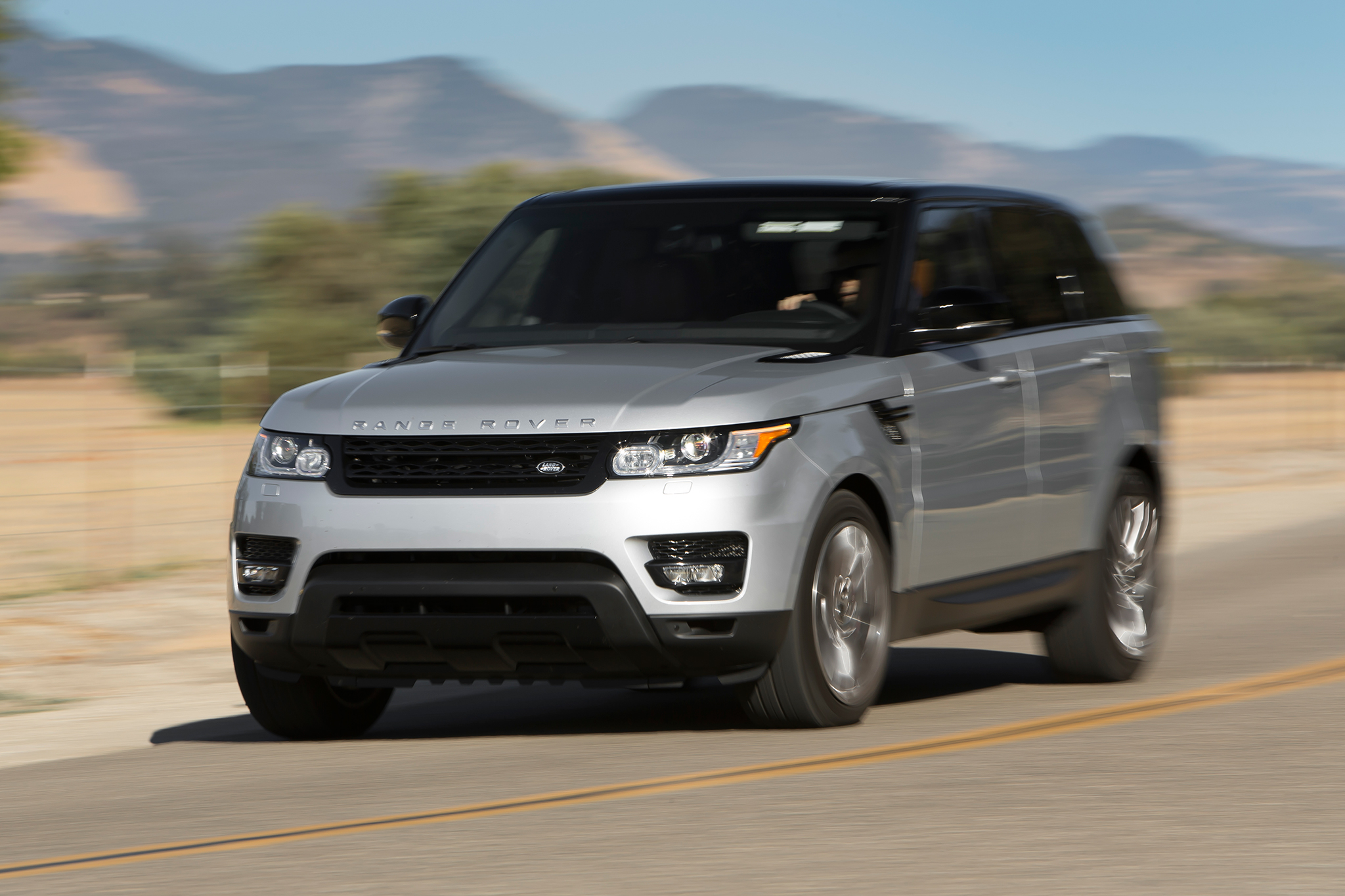 2019 Land Rover Supercharged Range Rover photo - 5